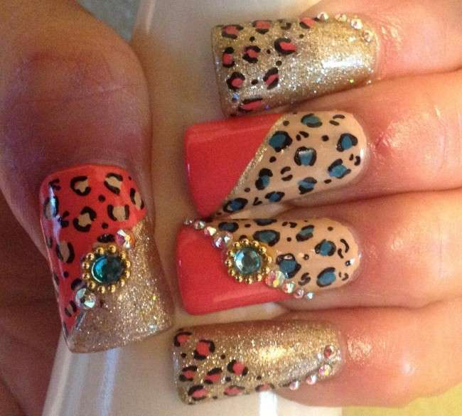Eid special nail art designs for women sometimes it is difficult to choose the perfect nail art for the outfit the only reason is that there is the availability of countless choices and charming prinsesfo Images
